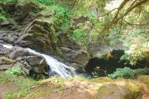 Cascadas de Plodda Falls, en las Highlands, Escocia